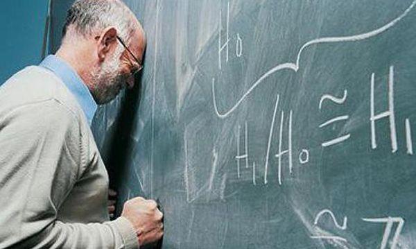 Украинские учителя будут выполнять функции скорой помощи
